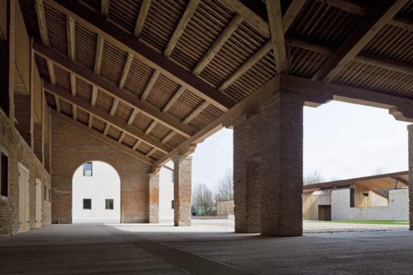 Corte Bertesina, Strada Bertesina - 36100 Vicenza